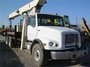 2000 Freightliner con Grúa National 1195, Cap. 26 Tons.